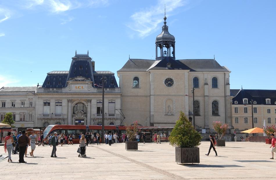 Place de la République 950x619